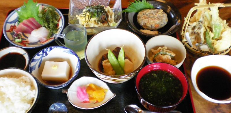沖縄食材にこだわった和琉料理